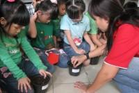 https://www.teachforindonesia.org/wp-content/uploads/2013/04/IMG_0494.jpg