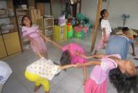 https://www.teachforindonesia.org/wp-content/uploads/2013/04/IMG_3060.jpg