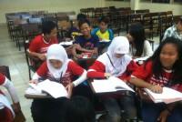 https://www.teachforindonesia.org/wp-content/uploads/2013/09/IMG_2265-938x700.jpg